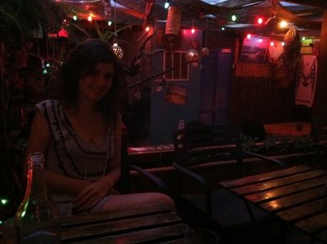 Agustos 2011, Surf Bar